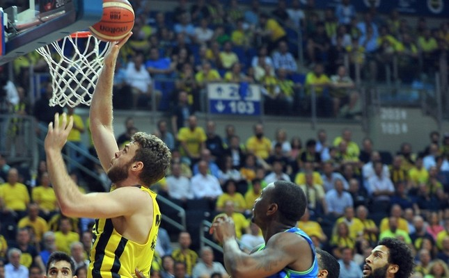 Fenerbahçe victorious in Game 1 of finals
