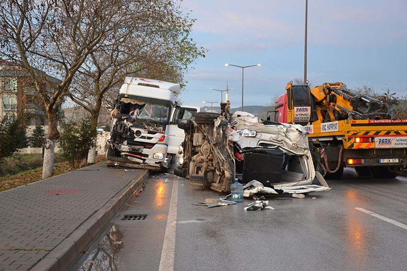 Photo shows accident between a semi-truck and a minibus carrying workers in Biga district of northwestern u00c7anakkale province on Monday, Dec. 10, 2018. (AA Photo)