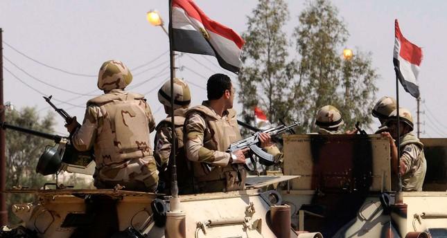 الجيش المصري: مقتل 19 مسلحاً وإحباط محاولة اختراق للحدود الغربية المتاخمة لليبيا