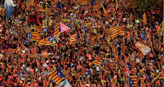 نحو مليون كتالوني يتظاهرون في شوارع برشلونة للمطالبة بالاستقلال