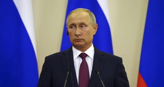 صحيفة عبرية: إسرائيل خائفة من بوتين الذي قد يقطع جناحيها في سوريا