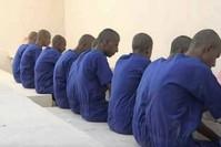 مجموعة من المساجين في سجن بئر احمد بعدن (مواقع التواصل الاجتماعي)