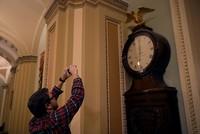 أغلقت الحكومة الفيدرالية الأمريكية بشكل جزئي للمرة الثانية خلال العام الجاري، جرّاء عدم إقرار الكونغرس موازنة جديدة عامة قبل انتهاء مدة الموازنة المؤقتة الأخيرة، فيما سارع مجلس الشيوخ لاحقاً إلى...