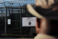 US-Präsident Donald Trump will das umstrittene Gefangenenlager in Guantanamo auf Kuba offen halten. Eine entsprechende Anweisung habe er Verteidigungsminister Jim Mattis erteilt, sagte Trump am...