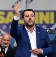Italy's anti-immigration decree violates int'l laws