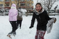 Istanbul schools closed Monday due to snowfall