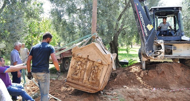 This file photo from September 2016 shows archaeological teams carrying out work after the discovery of a tomb in Bursa province DHA Photo