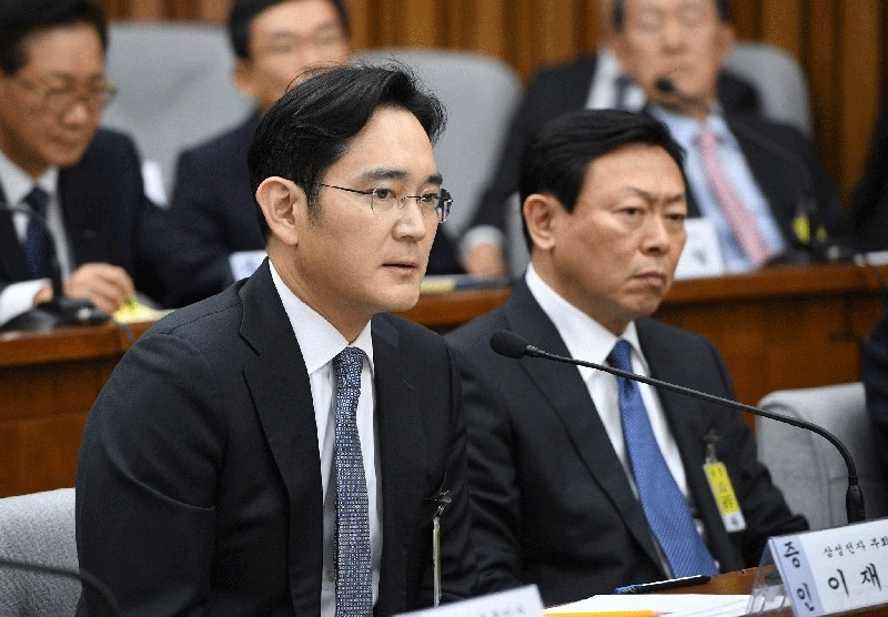 Samsung VP Lee Jae-Yong (Left) pictured in this undated file photo (Reuters Photo)
