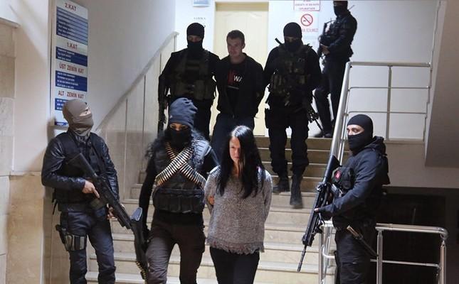 Czech YPG terrorists Marketa Vselichova and Miroslav Farkas arrested in Şırnak, southeastern Turkey. Nov. 16, 2016. (Takvim Photo)