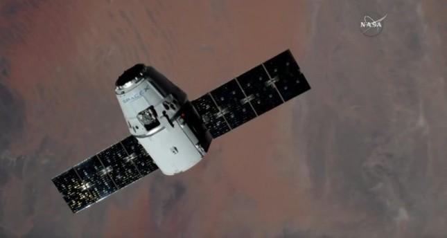 كبسولة دراغون سبيس إكس تصل إلى محطة الفضاء الدولية
