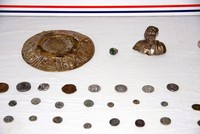 Historical artefacts dating back 1,000 years seized during vehicle control in Istanbul
