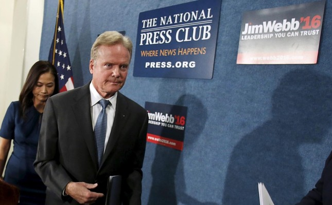 Former U.S. Senator Senator Jim Webb leaves after a news conference in Washington October 20, 2015. (Reuters Photo)