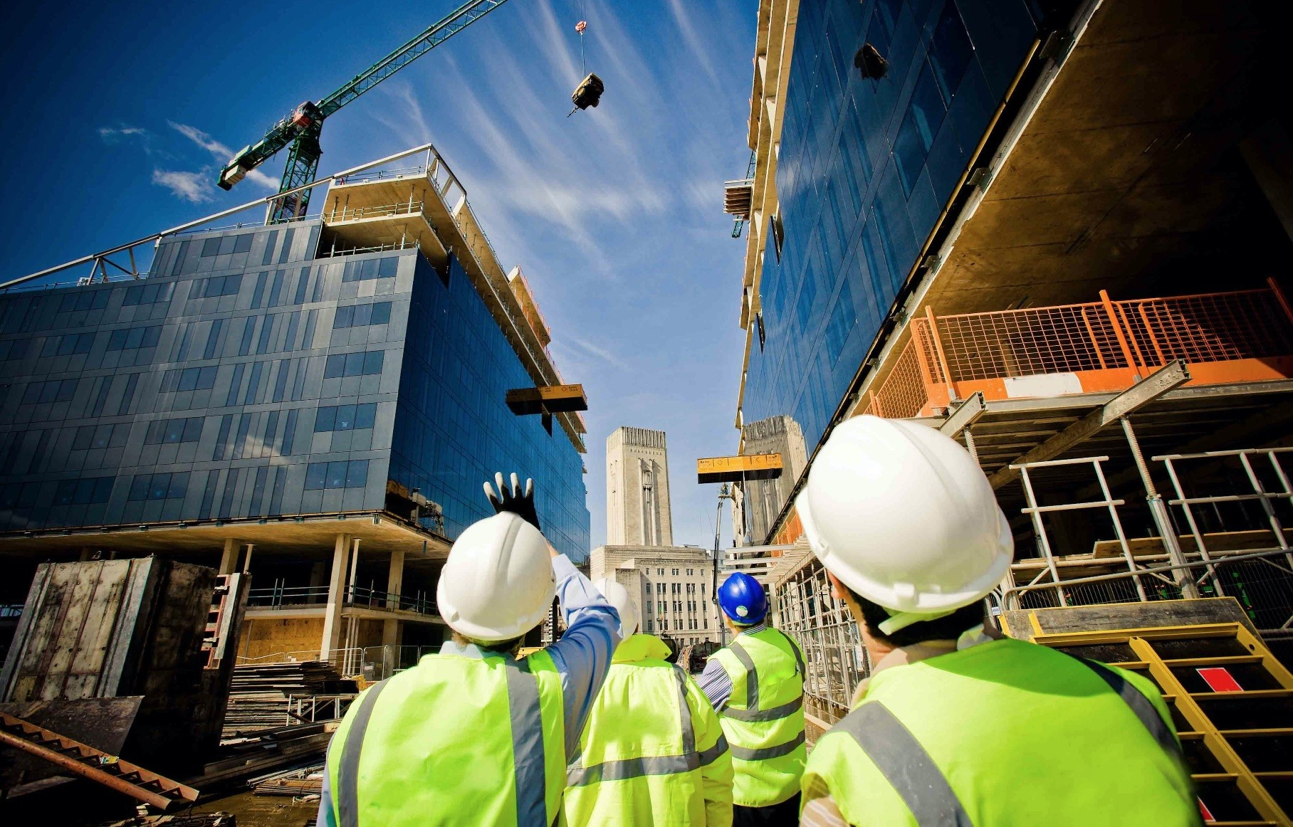 Turkish contractors undertook overseas projects worth around $19.4 billion last year, a 28.2 percent increase year-on-year.