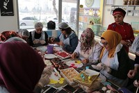 Turkish housewives training pastry chefs