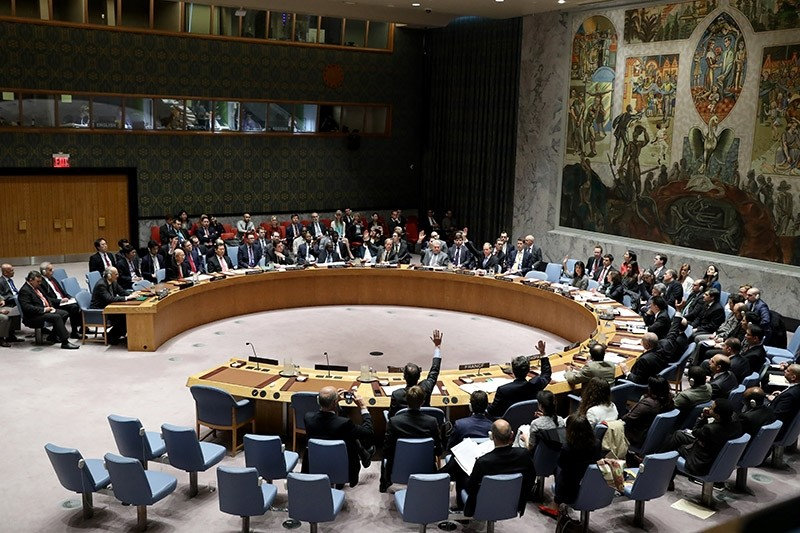 Members of the United Nations Security Council (UNSC) vote on a draft resolution condemning the Assad regime use of chemical weapons during a Security Council meeting at UN headquarters in New York, New York, USA, 12 April 2017. (EPA Photo)