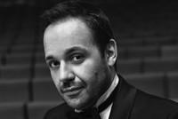مغني الأوبرا التركي مراد قراهان يصدح في مهرجان الأوبرا الإيطالية
