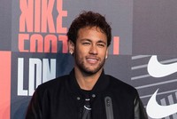Neymar buys 5,000 lottery tickets to support Turkish club
