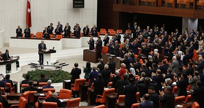 Turkish parliament ratifies bill on holding snap elections