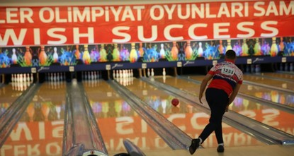 pZeynep Canpolat and Şükriye Mutlusoy, Turkey's youngest bowling duo at this year's Deaflympics, is dreaming big for the future. Though team Turkey could not win a medal in the men's or women's...