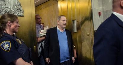 Кинопродюсер Вайнштейн отпущен из полиции под залог в $1 млн