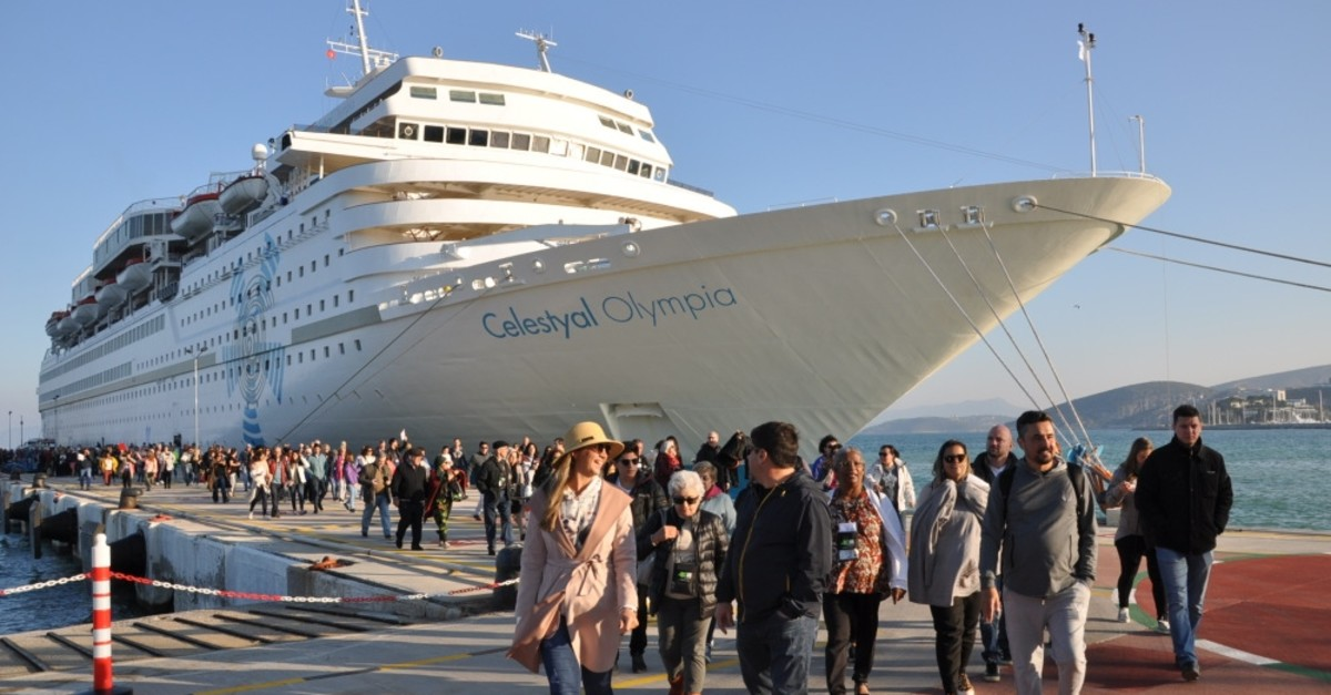 The Maltese-flagged Celestyal Olympia cruiser dropped anchor at Ege Port in Kuu015fadasu0131 with 1,540 passengers, March 16, 2019.