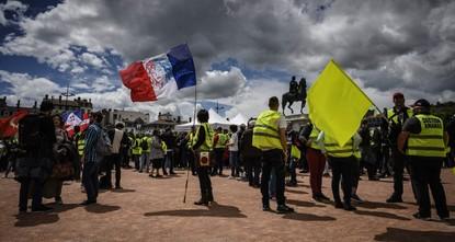 إصابة 5 متظاهرين من السترات الصفراء في رين الفرنسية