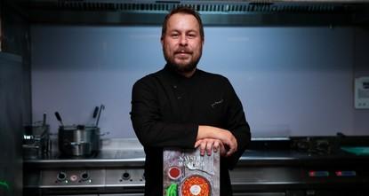 طاه تركي يفوز بجائزة الأوسكار العالمية عن كتابه في فن الطبخ