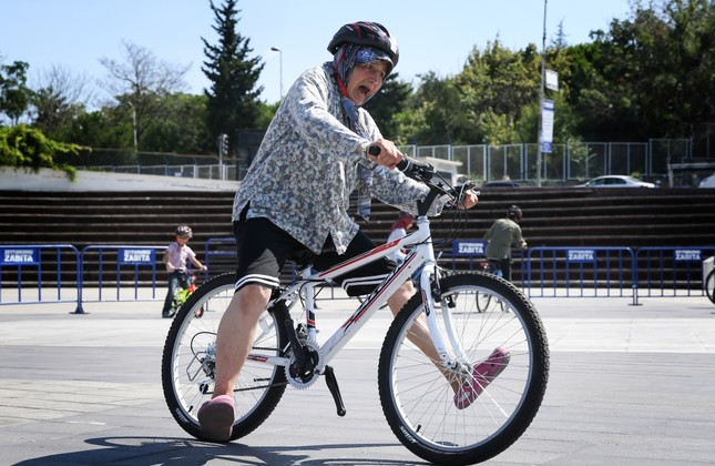 Cycling: Istanbul's solution for traffic jams, healthy lifestyle