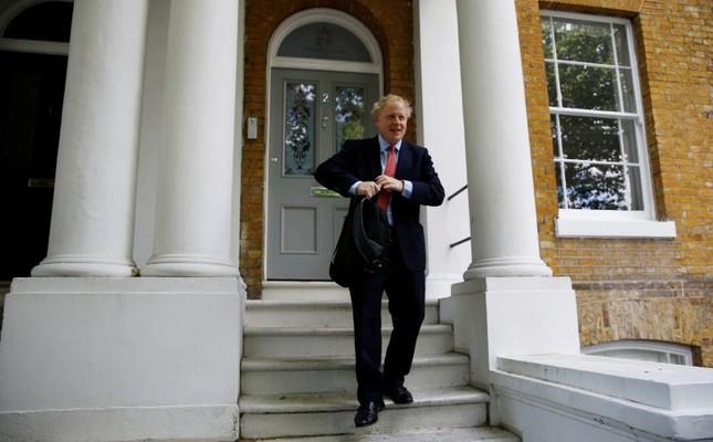 Prime minister hopeful Boris Johnson leaves his home in London, Britain June 21, 2019. (Reuters Photo)