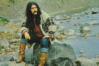 Remembering Turkish music legend, TV host Barış Manço