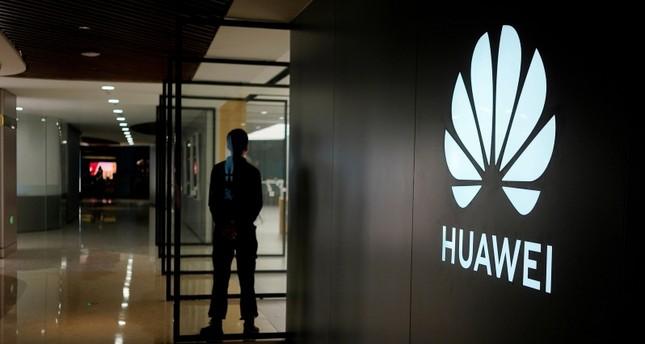 هواوي تتوقع تراجع إيراداتها بنسبة 30 % خلال عامين والخروج أقوى من الأزمة