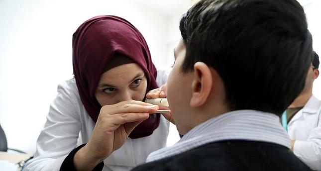 تركيا تبدأ تدريب الأطباء السوريين تمهيداً لتوظيفهم في مراكز صحية للاجئين