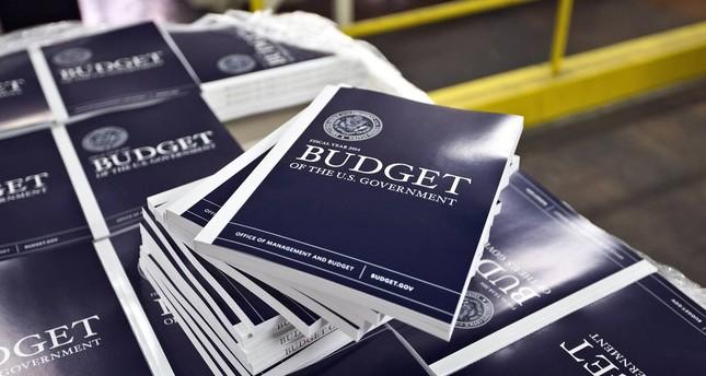ميزانية الحكومة الأمريكية تسجل عجزا بقيمة 77 مليار دولار
