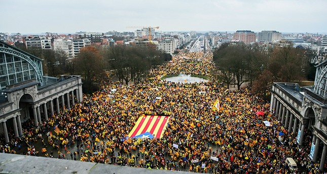 Thousands of Catalans rally to protest for the independence of Catalonia in Brussels, Belgium, Dec. 7, 2017. (EPA Photo)