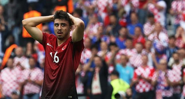 Block the ball instead of fixing your hair, Turkish fans tell midfielder Ozan Tufan