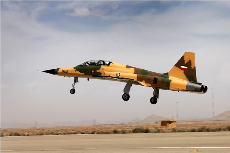 In this photo released by the official website of the office of the Iranian Presidency, Iran's domestic fighter jet dubbed Kowsar takes off during inauguration ceremony at a defense show in Tehran, Iran, Aug. 21, 2018. (AFP Photo)