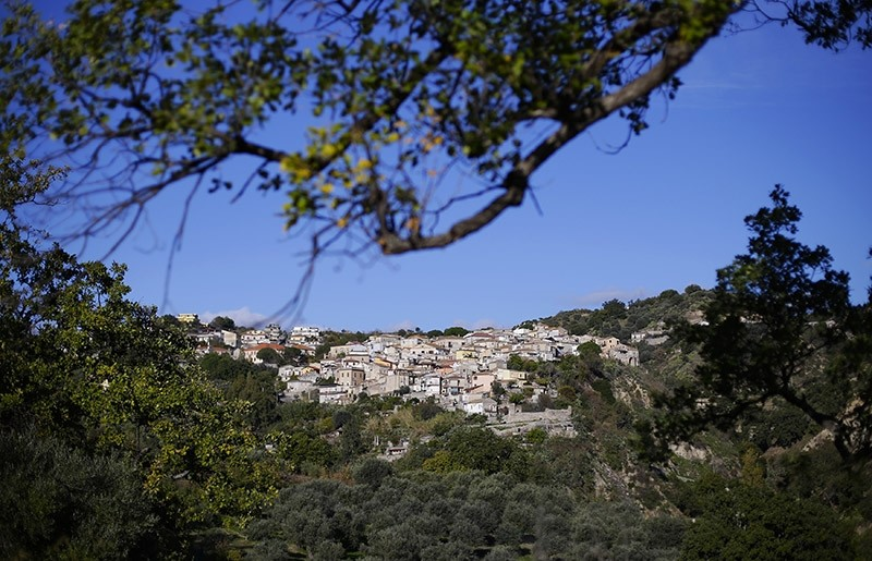 The town of Riace is seen in the southern Italian region of Calabria November 22, 2013. (Reuters Photo)
