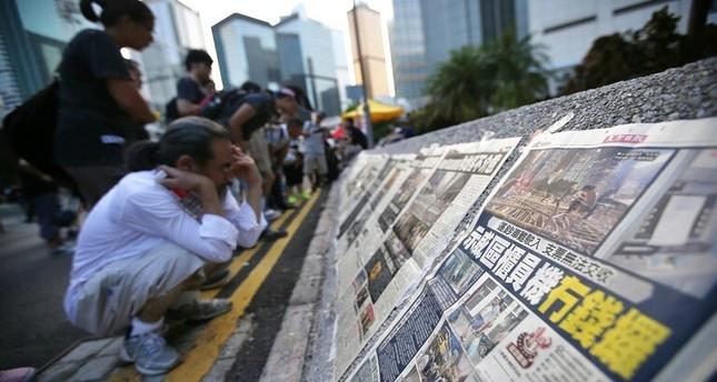 الصين تسحب تراخيص صحفيين أمريكيين وتدعوهم لمغادرة البلاد