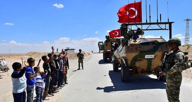 القوات التركية والأمريكية تجريان دورية سابعة في منبج السورية