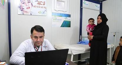 أعلن وزير الصحة التركي، رجب أقداغ، أن بلاده تعتزم منح الأطباء السوريين والعاملين في القطاع الصحي، في تركيا