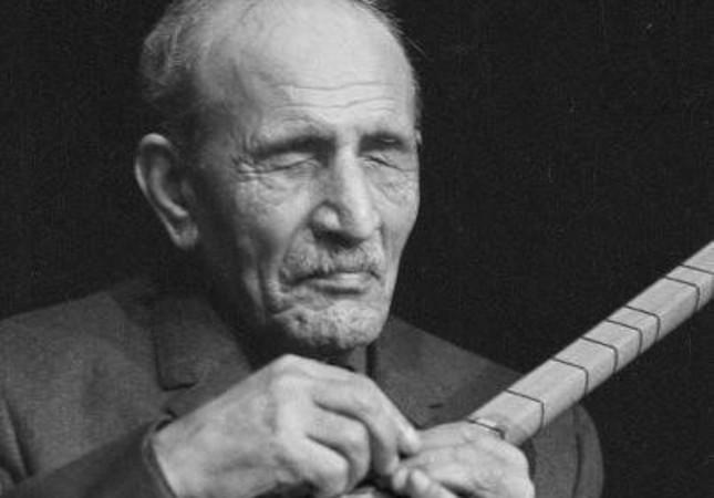 Aşık Veysel was a very famous bard from Sivas.