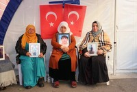 Female teachers express support for Kurdish mothers protesting PKK for abducting children