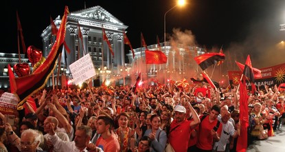 Thousands protest against Macedonia name change