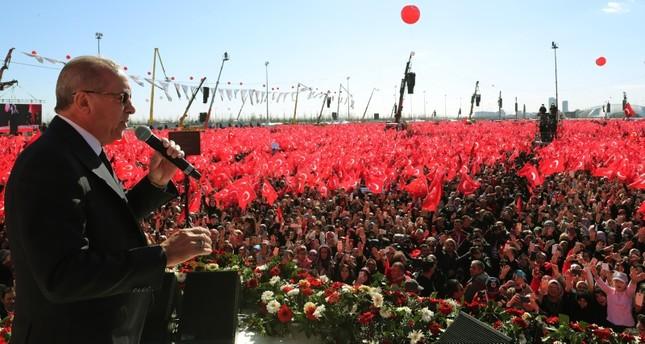 الرئيس أردوغان خلال تجمع جماهيري حاشد لتحالف الشعب في ميدان يني قابي بإسطنبول  (الأناضول)
