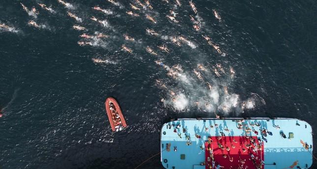 بطولة سامسونغ عبر القارات..2419سباحاً عبروا مضيق البوسفور بإسطنبول اليوم