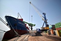 Turkey's foreign trade deficit plunges by 58 pct in August