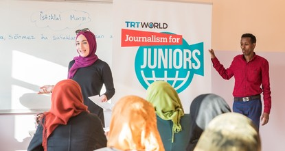 pA new project by TRT World, the English-language channel of public broadcaster TRT, introduces young Syrian refugees to the world of journalism. In a refugee camp in southern Turkey, 40 youths...