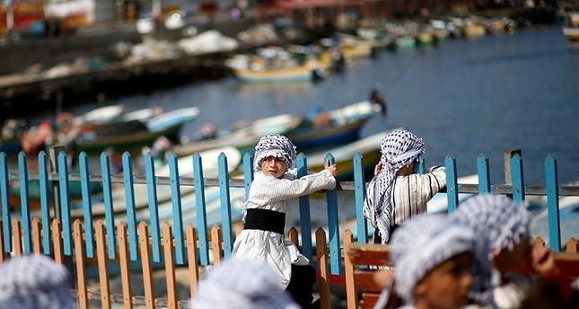 وقفة لأطفال قطاع غزة ترحيباً بقرب وصول أسطول الحرية الرابع