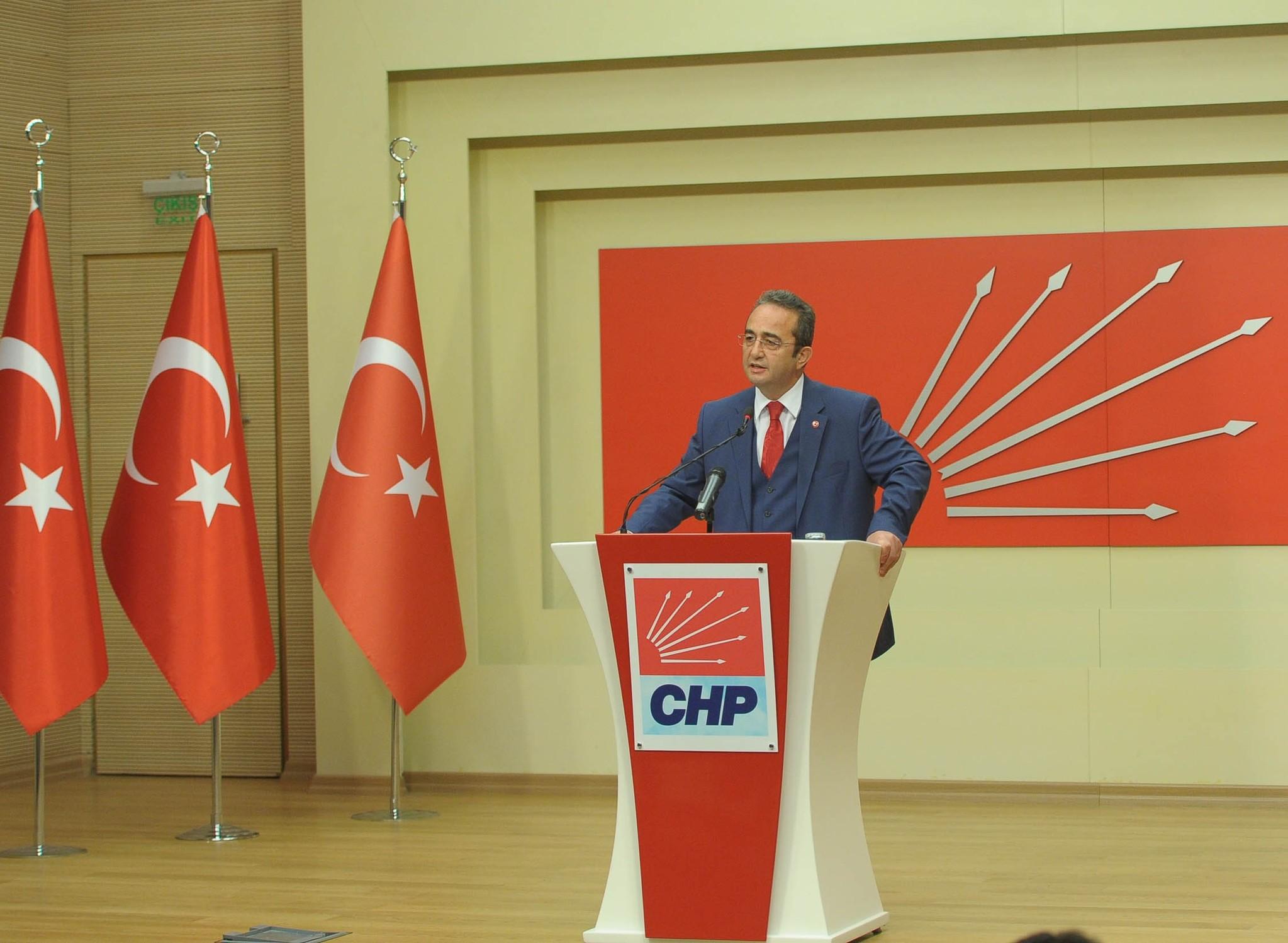 CHP spokesperson Bu00fclent Tezcan speaks to reporters in Ankara, Turkey on May 20, 2017. (DHA Photo)