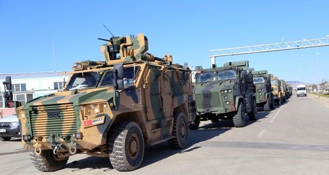 تركيا.. القوات المسلحة ترسل تعزيزات عسكرية على الحدود مع سوريا